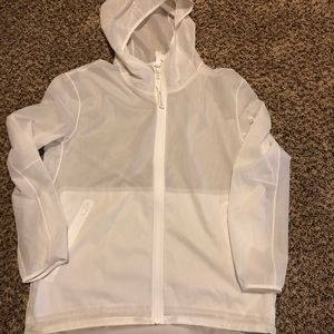 Lululemon White Raincoat sz 8 Recent